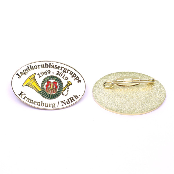 club souvenir pin