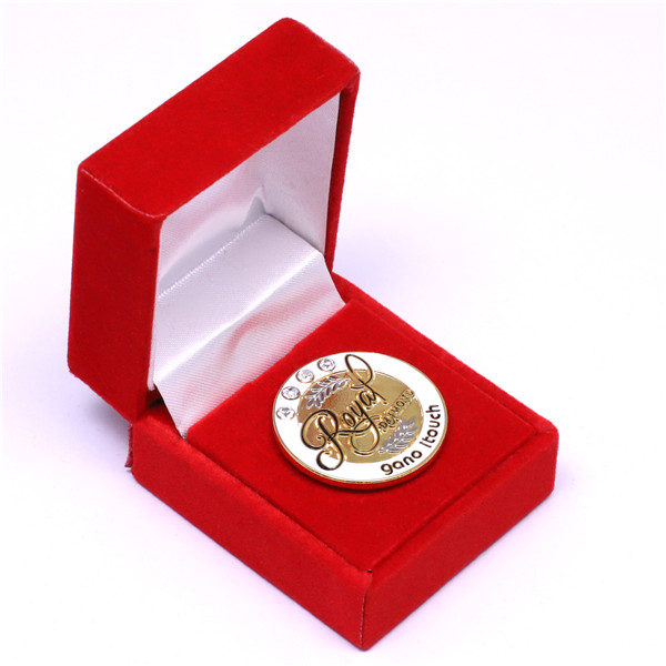 custom challenge coins with Velvet box